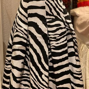 Express Design Studio Zepra A line plead skirt
